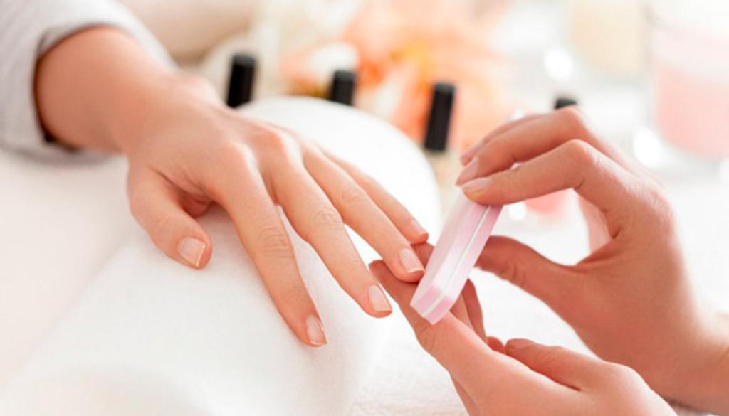 como-ganhar-dinheiro-fazendo-unhas-manicure